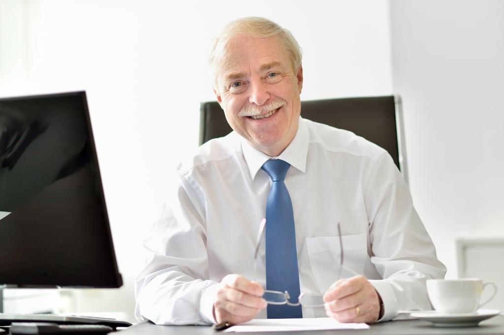 Profesor Schlösser - firma Schwank.