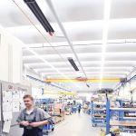 Trzy promienniki rurowe firmy Schwank połączone do systemu technologii kondensacyjnej hybridSchwank hydro.